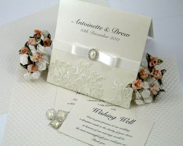 Classic Ivory & Bows