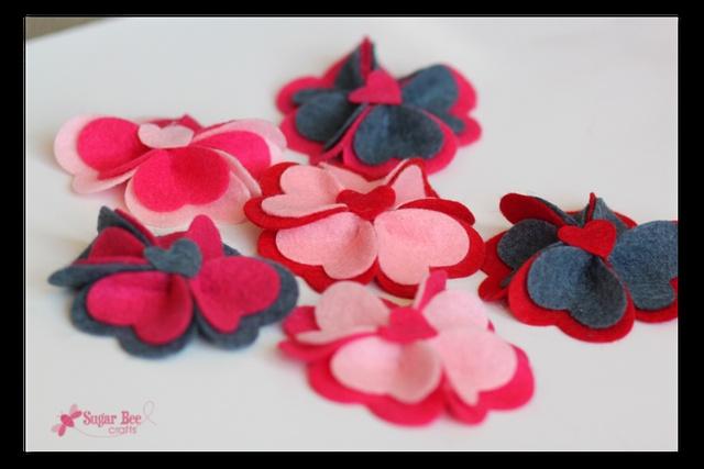 Heart Felt Flower Hairclips: Crafts Ideas, Fabrics Flower, Lifestyle Crafts, Flower Hairclips, Diy Hairclips, Felt Flowers, Sugar Bees, Bees Crafts, Heart Felt