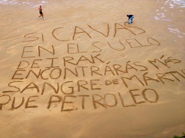 'Piedras gritando', frases en la playa de cristianos perseguidos