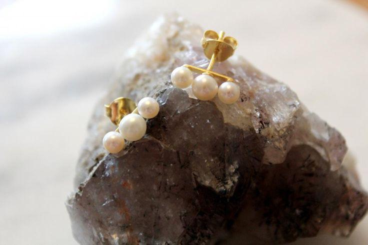 Pearls in a row #hvisk #hviskstylist #hviskstyling
