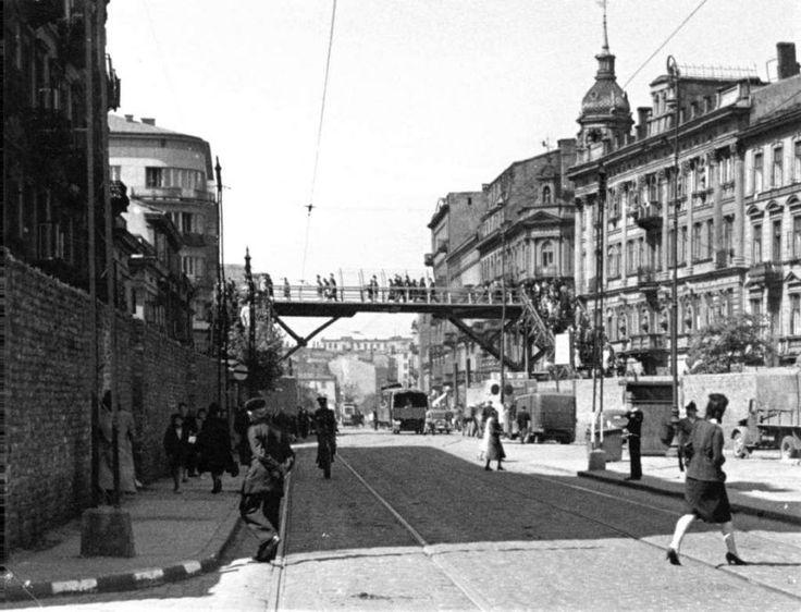 Ulice Getta kiedyś i dziś.Kładka nad ul, Chłodną