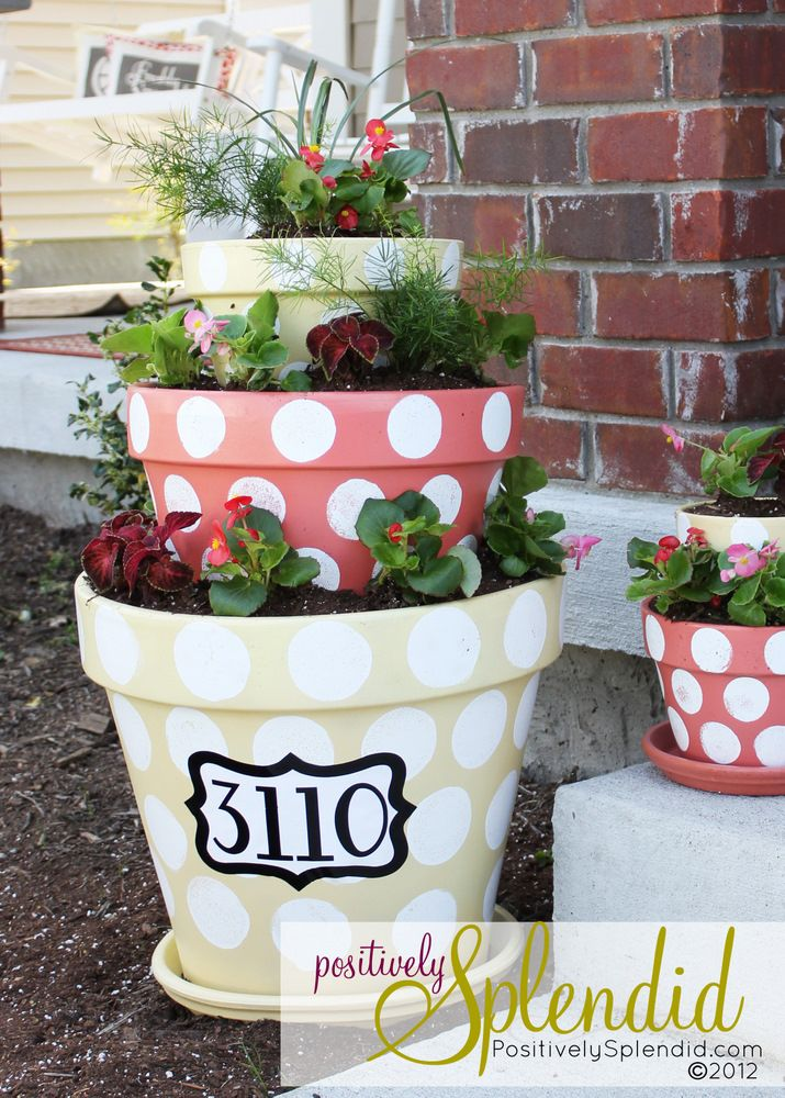 Polka-Dotted Tiered Planters: Polka Dots, Flowers Pots, Tiered Planters, Front Doors, Flower Pots, House Numbers, Planters Ideas, Front Porches, Houses Numbers
