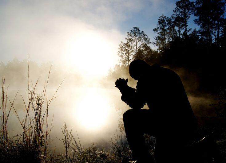 ¿Sabes cómo orar? Aquí tienes cinco consejos que te ayudarán a aprender a orar cada día mejor, más bíblicamente.