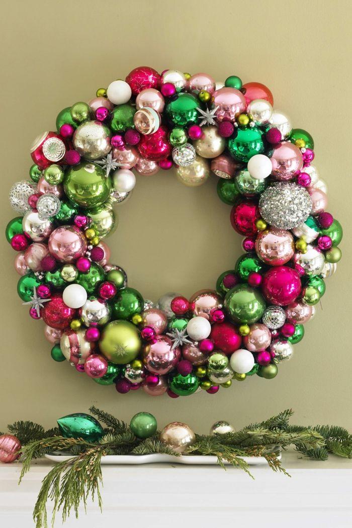 Weihnachtskranz Aus Bunten Dekokugeln Und Sternen Selber Machen,  Ausführliche Anleitung, Weihnachtsdeko Basteln