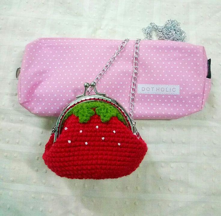 Erdbeer Geldbörse.