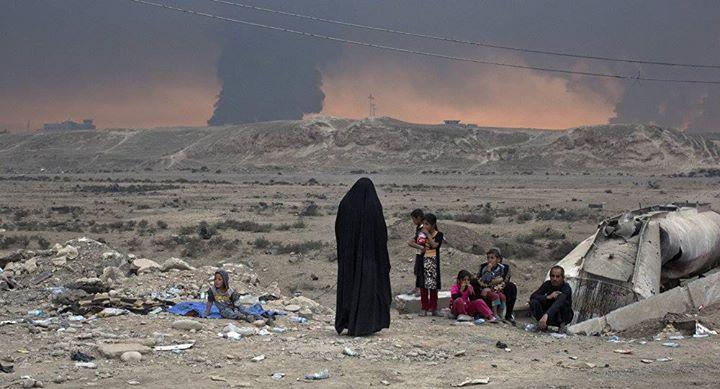 """""""Una de las prisioneras y concubinas de origen #yazidí de #Daesh compartió con Spuntik los detalles de su estancia en el cautiverio sexual de los terroristas. La mujer llamada Zeinab junto con otras yazidíes fue secuestrada en 2014 por los extremistas de Daesh organización terrorista proscrita en Rusia y otros países después de que estos tomaran su pueblo natal en el oeste de la provincia de Nínive en Irak"""". Fuente: http://ift.tt/2g8Artd"""