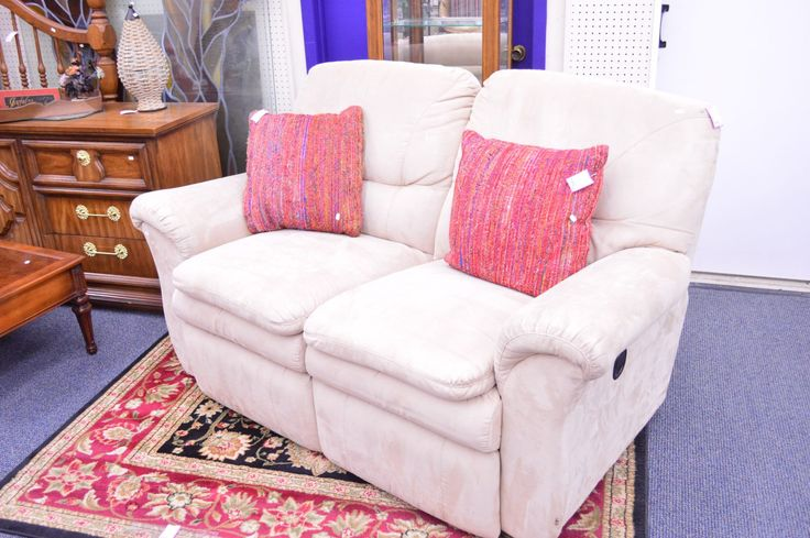 Double reclining loveseat - http://dooverz.com/double-reclining-loveseat/