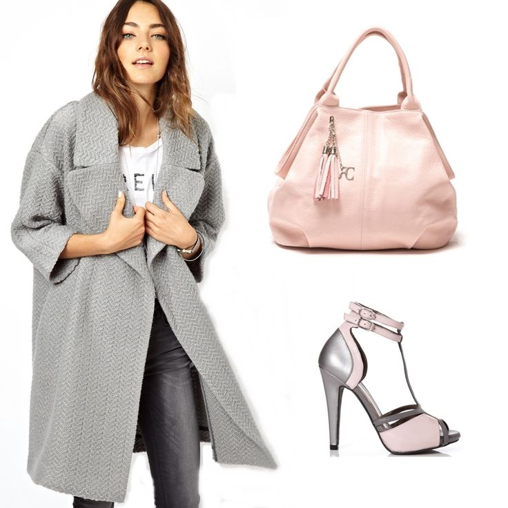 #OOTD: Combine this pink #RenataCorsi bag with a grey coat and a nice pair of sandals for an awsome autumn outfit!