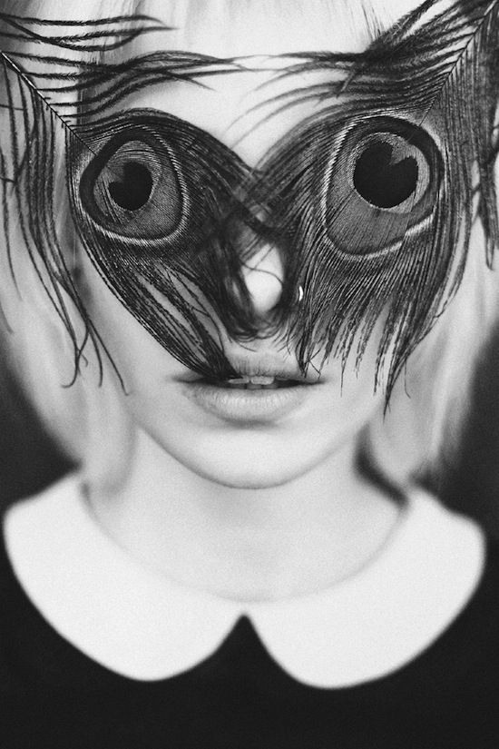 ETC INSPIRATION BLOG ART DESIGN PHOTOGRAPHY COLLAGE ART ANTON BUNDENKO BLACK WHITE PORTRAIT OF A GIRL WOMAN PEACOCK FEATHERS COVERING EYES N...
