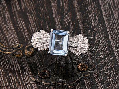 Anillo Romance Jewelry de aguamarina y diamante, $486 | 45 Anillos de compromiso inspirados en las princesas de Disney