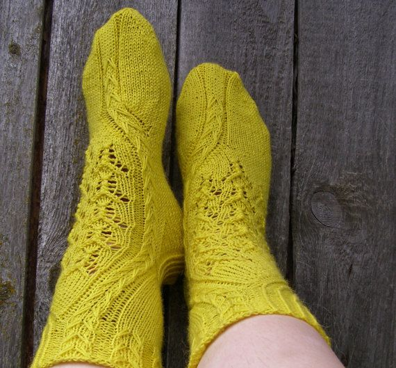 Sun-gold lace wool socks,Hand knit socks,House socks,Bed socks.
