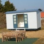 glamping-norfolk-burnham-deepdale-shepherds-hut-1