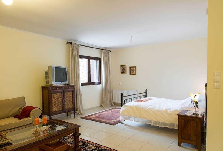 Bedroom 3, lower level, double