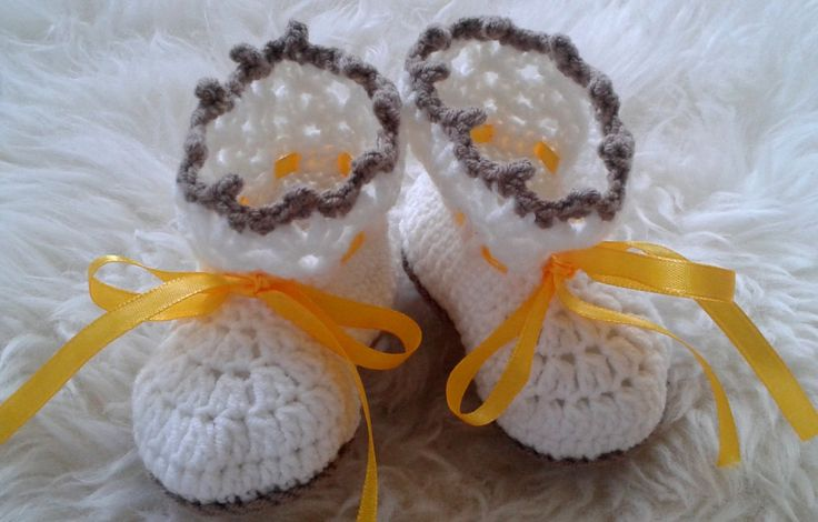 Crochet Baby Booties in Ivory and Brown, decorated with Yellow Ribbon, Baby Shower Gift, Crib Shoes, Baby Boy Booties, Baby Girl Booties by fromKikawithLove on Etsy