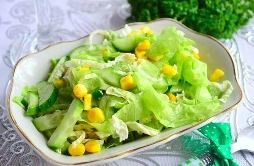 Салат с капустой, огурцами и кукурузой: ВГотовке.сom - лучшие рецепты мира