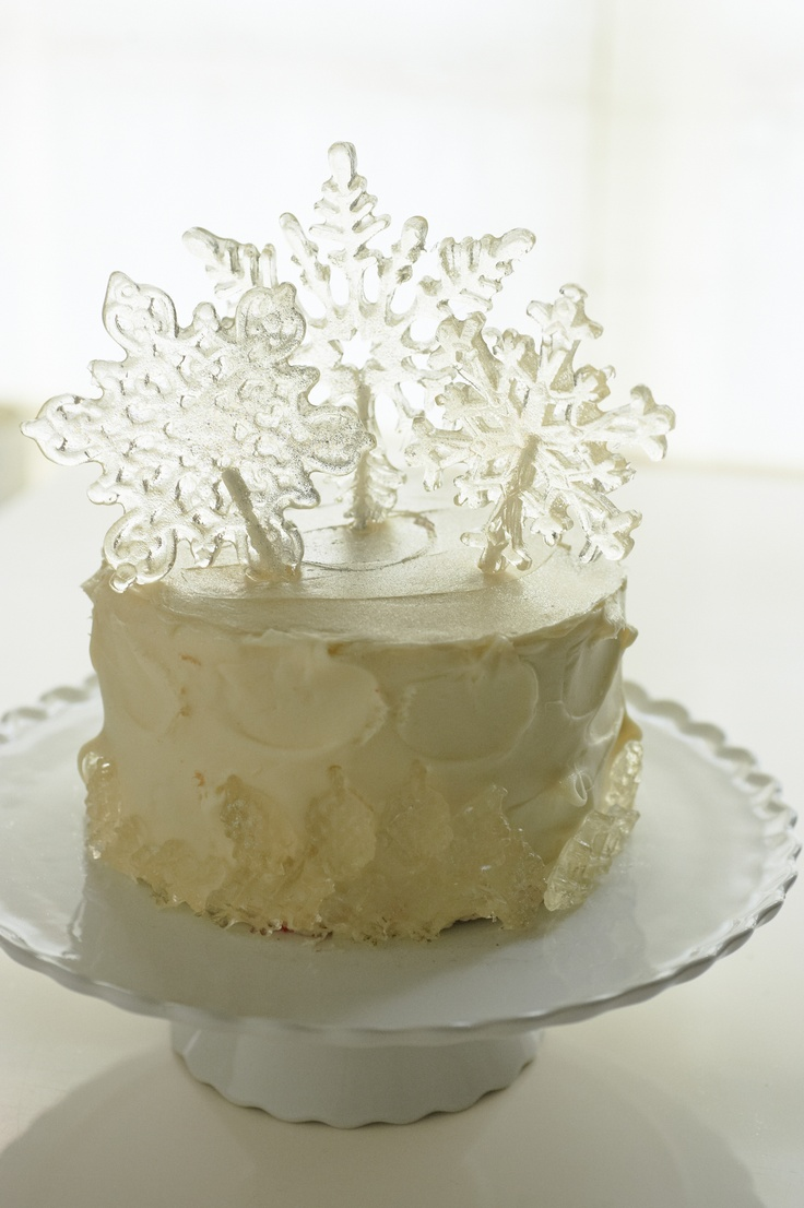 Andie's Specialty Sweets snowflake lolipops, NY Cake and Bake edible gold sparkle dust, Crate and Barrel cakestand