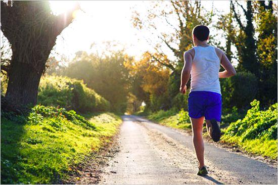 La corsa mattutina aumenta il metabolismo e aiuta a dimagrire: ecco come affrontarla - Mag-Lifestyle | maglifestyle