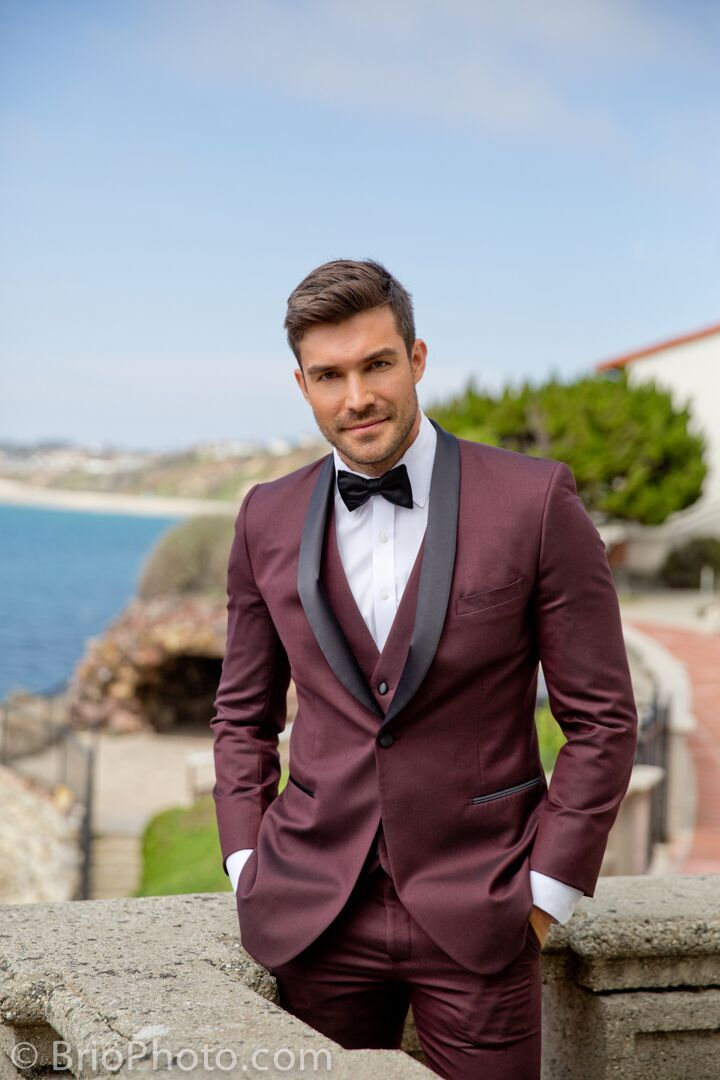 Online Tuxedo Rental for Men- maroon suit- classic black bowtie