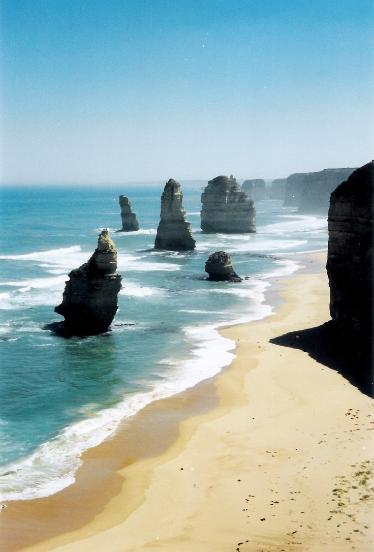 12 Apostles, Victoria, AU - Such a beautiful stretch of the Australian coastline. It truly took my breath away, but it was just a taste of all the wonderful coastal vistas Australia had to offer.