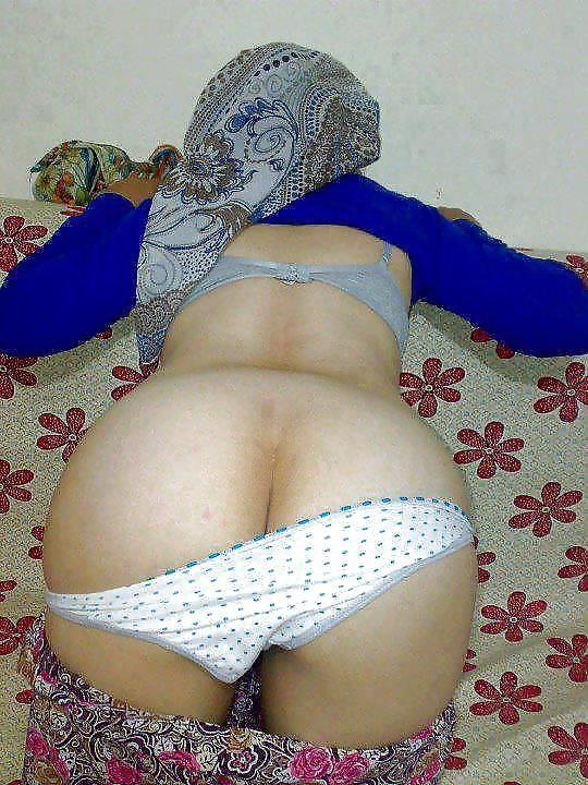 Beautiful Arab & Other Muslim Women : Photo