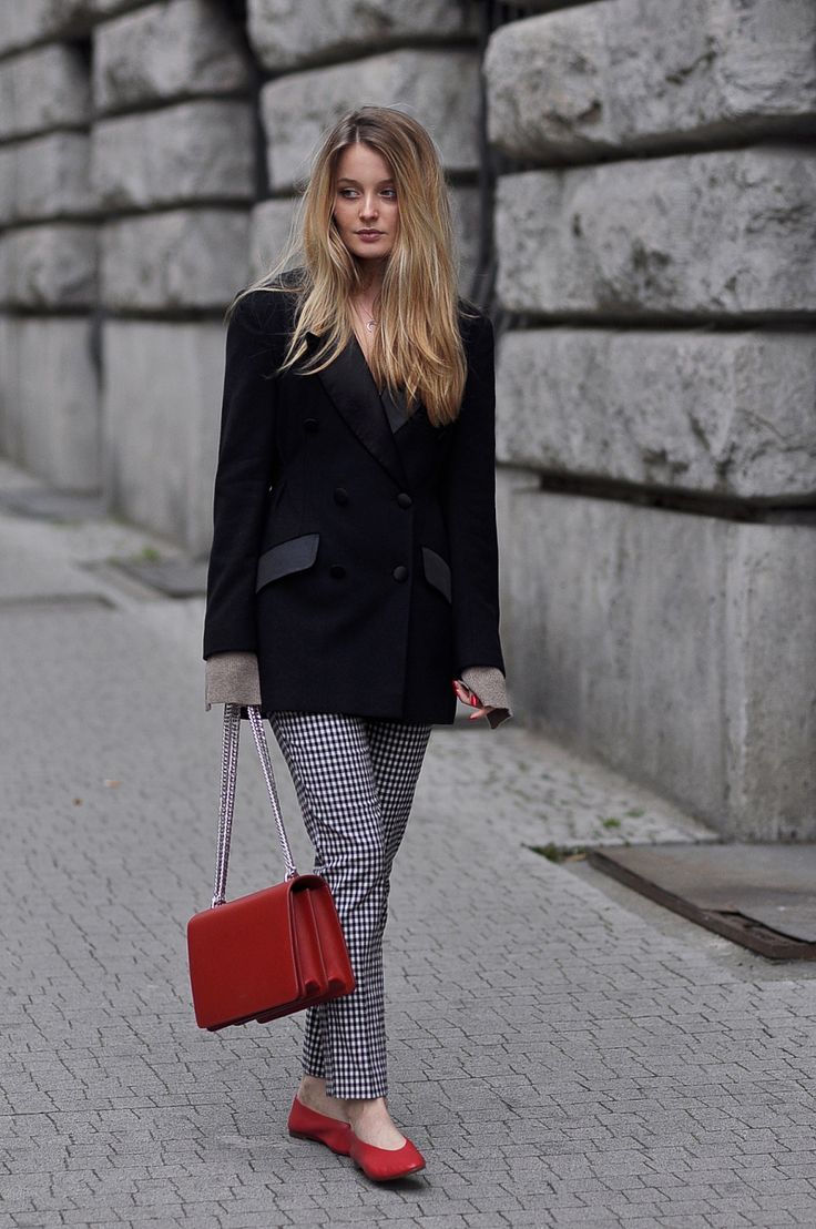 GINGHAM CHECK & RED ACCESSORIES: PATINESS
