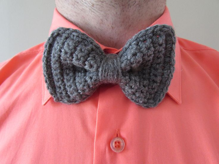 Crochet bow tie, free pattern.  Make this, a fez, and a sonic screw driver and you got a Doctor Who costume.