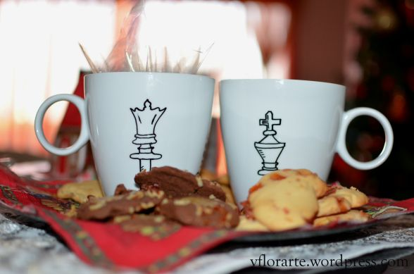 Hand painted mugs with King&Quenn of chess. Nice gift idea!