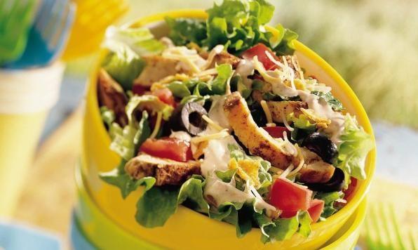 Salade de tacos au poulet à la mode du sud-ouest