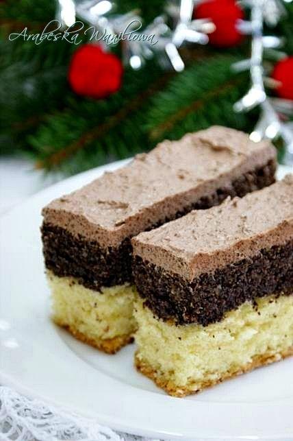 Arabeska: Ciasto makowe otulone orzechową kołderką