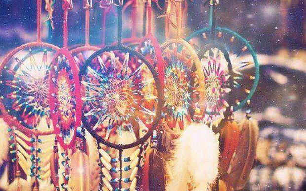 Os Ojibwa acreditavam que decifrar mensagens e entender os sonhos era algo muito importante durante o tempo que vivemos na terra e, por isso, o Filtro dos Sonhos é algo tão especial.
