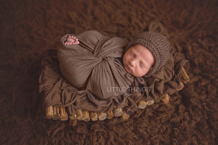 Professional boise photographer marlena watson specializes in the art of newborn photography and baby portraiture