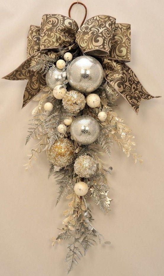 Decoración de puertas navideñas elegantes
