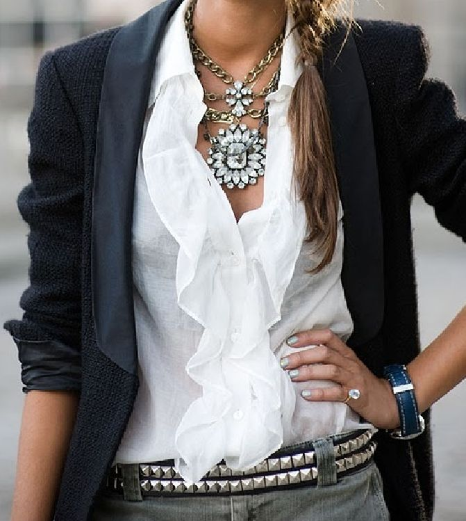 Romantic style that would work at the office. Gorgeous necklace.