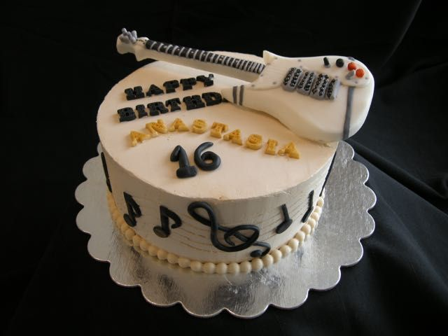 cake with guitar designs