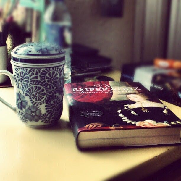 Una taza de te y a historiar http://instagram.com/californisima