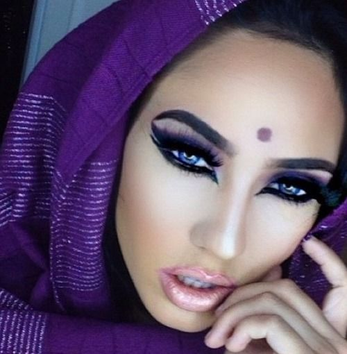 ✦⊱ɛʂɬཞɛƖƖą⊰✦ Beautiful purple belly dance gypsy makeup.