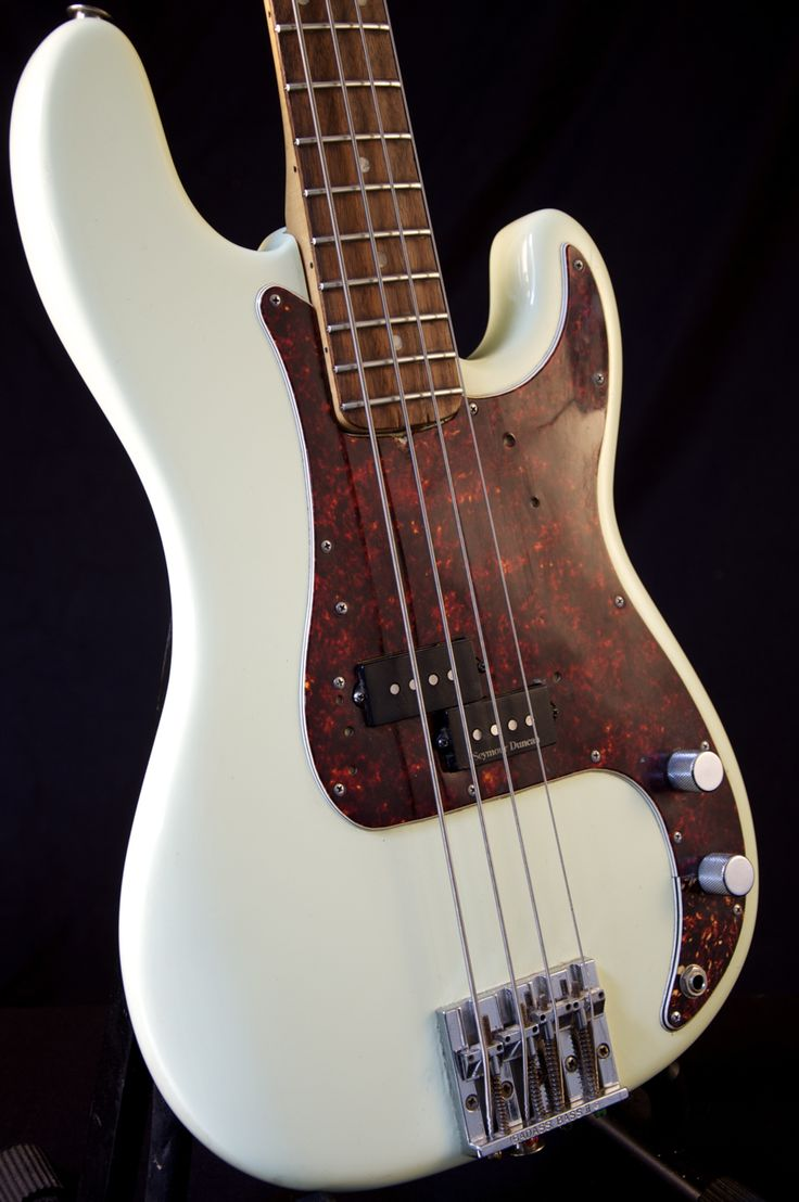 fender bass guitar 1972 precision | Vintage 1972 Fender Precision Bass Guitar Antique White Refin GRLC818