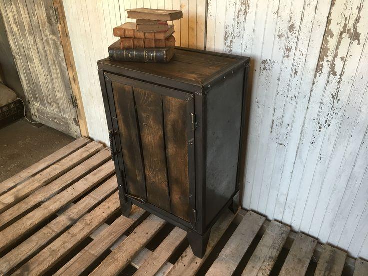 1000 id es propos de confiturier sur pinterest mickey for Retaper un meuble en bois