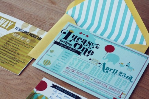 Cute circus invite. Perfect party for a photobooth!