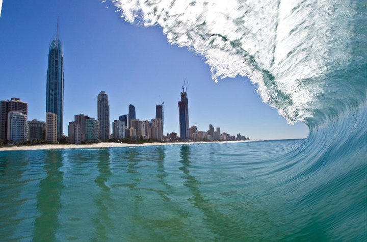 how to go from brisbane to surfers paradise