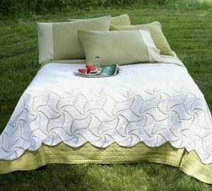 Pinwheel Crochet Bedspread Pattern. All Frhttp://www.allfreecrochetafghanpatterns.com/Bed/Pinwheel-Crochet-Bedspread-Patternee Crochet: