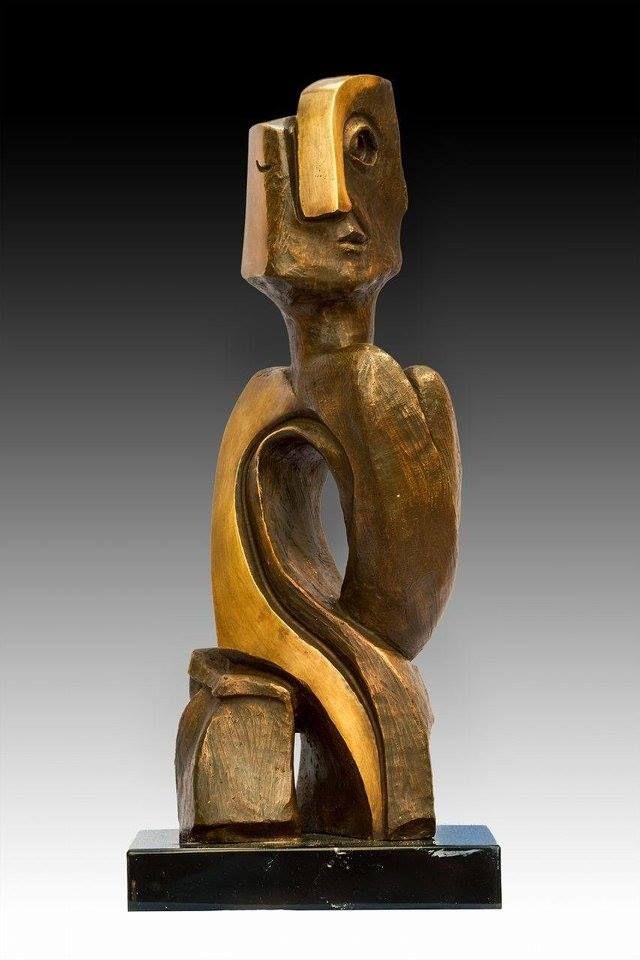 Artist : Federico Rivero / Title : En la espera / Dimensions : 46 x 18 x 12 cms / Technique : Bronze / Price : MXN $16,000 / Status : Available / Year : 2016
