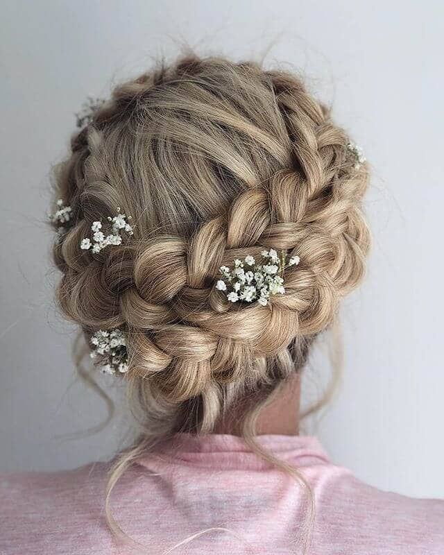 50 Trendy Wedding ceremony Coiffure Concepts with Superior Braids, Curls, and Up-dos