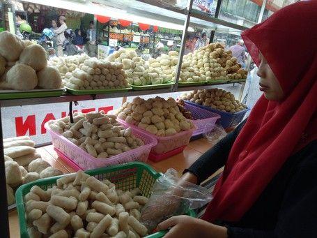 Kampung Pempek 26 Ilir, Tempat Berburu 'Kapal Selam' Di Palembang - https://darwinchai.com/traveling/kampung-pempek-26-ilir-tempat-berburu-kapal-selam-di-palembang/