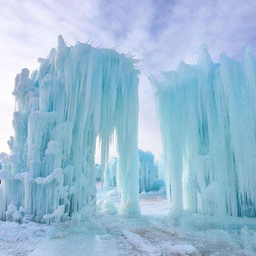 Ice Castles in Edmonton, Alberta, Canada || Elle Decor