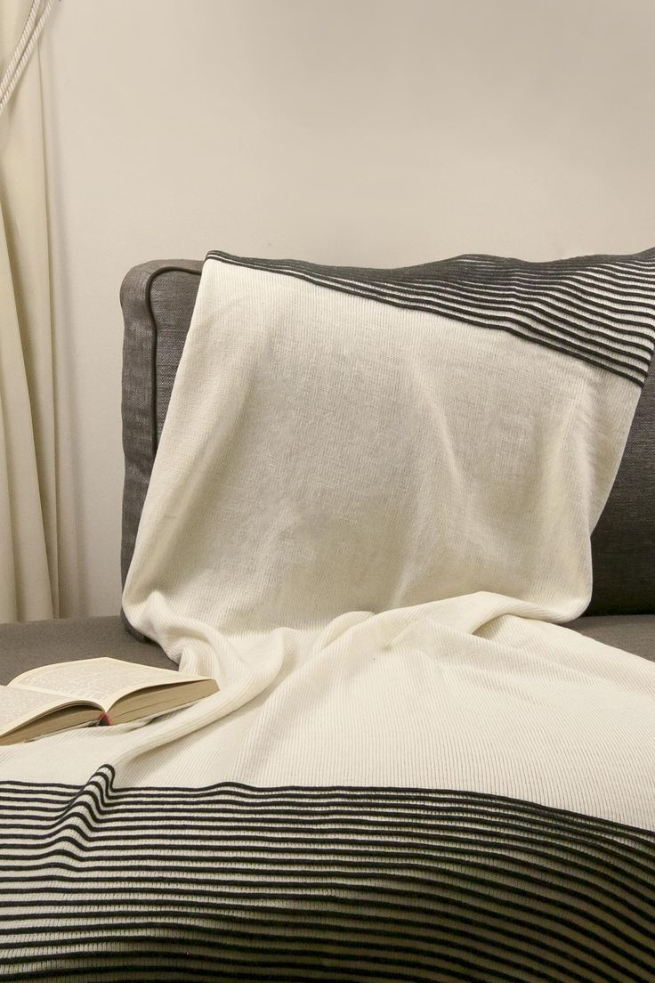 Merino wool blanket Stripe white.  Made from 100 % Merino wool.  Soft luxury merino wool blanket. this blanket is lightweight, warm and pleasant to the skin. Very soft, pure, natural and beautiful.