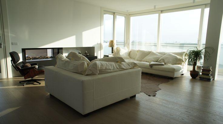 Grandi classici del design per questo soggiorno