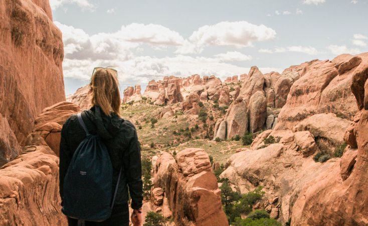 Hiking the Devil's Garden Loop Trail in Arches National Park, Utah