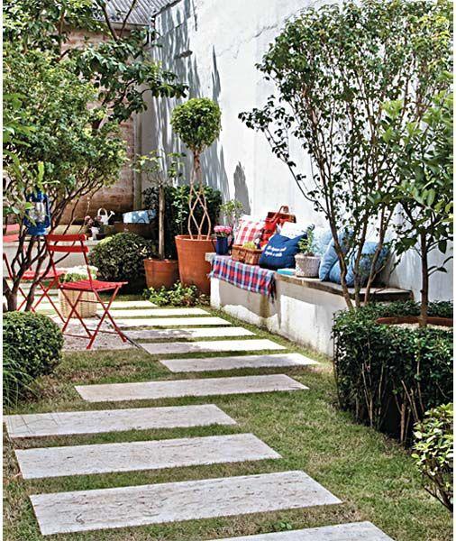 Confira aqui diversas fotos de lindos jardins com Pisantes de Pedras, Seixos de Rio, Pedriscos, Seixos Brancos, fontes, artefatos de cimento.