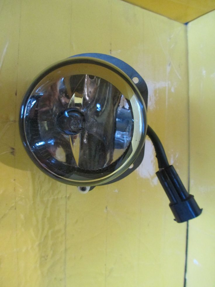 This Fog Light is for 2007 ~ 2009 Mercedes Benz E320, Mercedes Benz E350, Mercedes Benz E300, Mercedes Benz E55, Mercedes Benz E430, Mercedes Benz E550, Mercedes Benz E500, Mercedes Benz E420.This part is for  left of your vehicle.Please compare the part number(s):  211 540 1109 make sure to check with your local dealer before purchasing it.Note:please match you product with the picture, the produc…